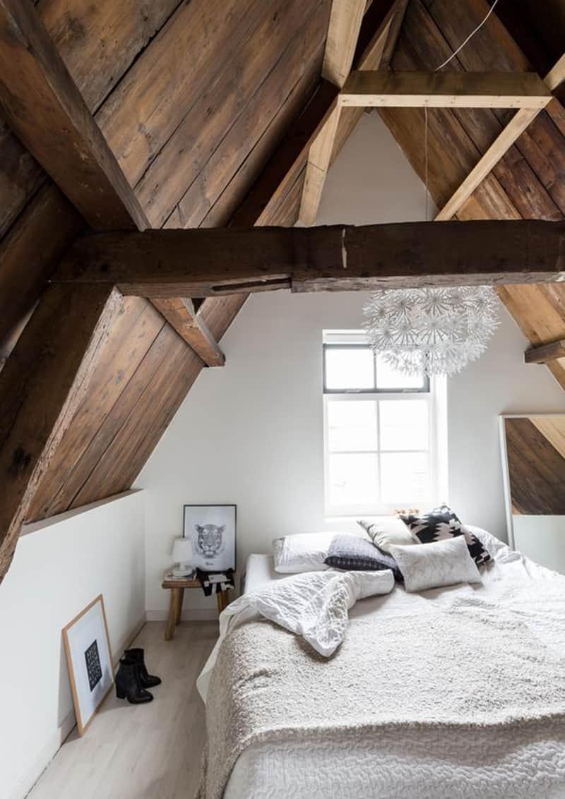 stufa a legna per un interno romantico