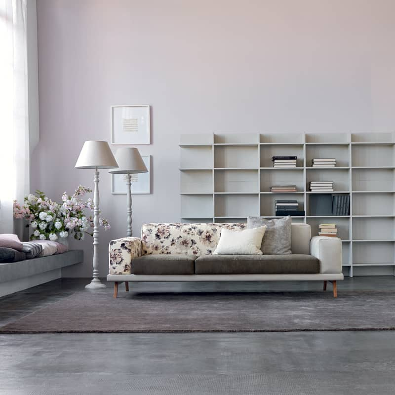 vestito nuovo e divano componibile per soggiorno