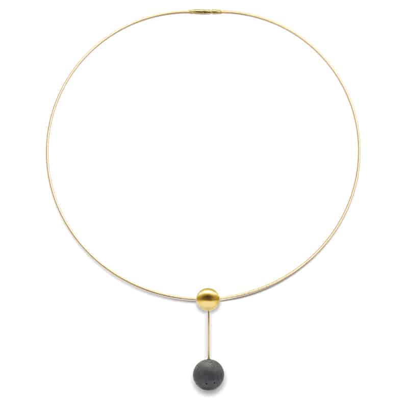 curiosità design | Orbis Gold and Concrete Jewellery Necklace di Karen Konzuk