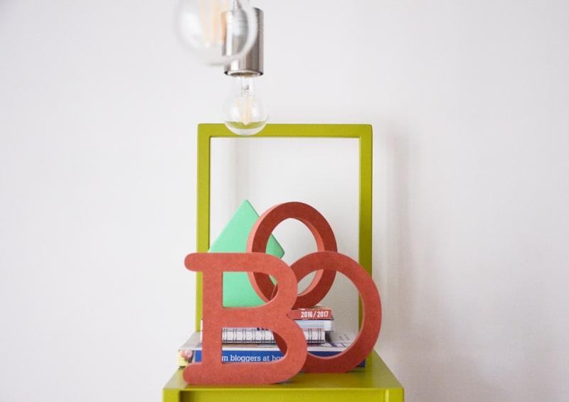 un alfabeto creativo in lettere di legno