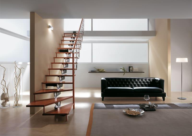 scale per interni come arredi componibili