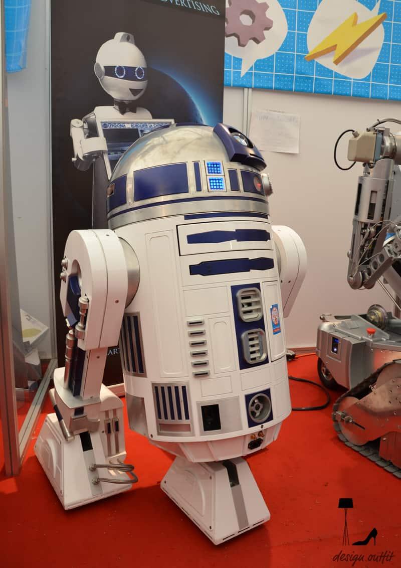 bimbi e robot alla Maker Faire