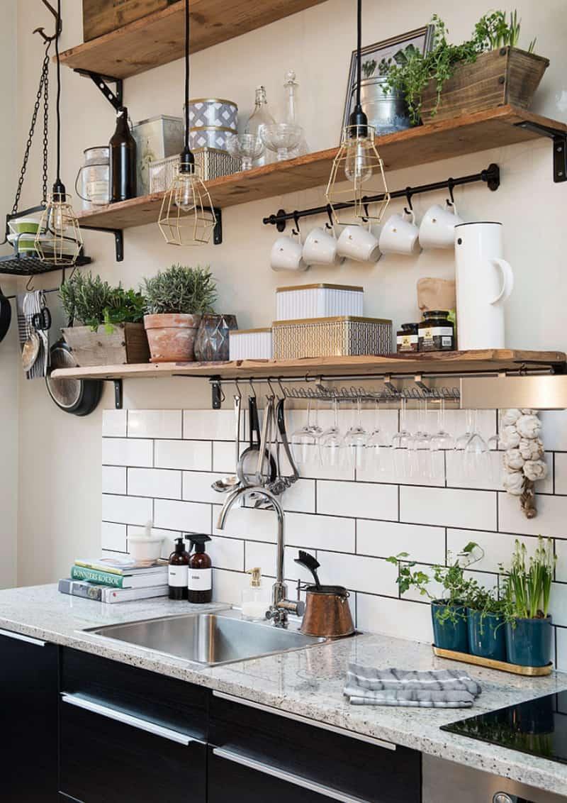 tutto a vista in cucina | mensole e scaffali aperti | design outfit