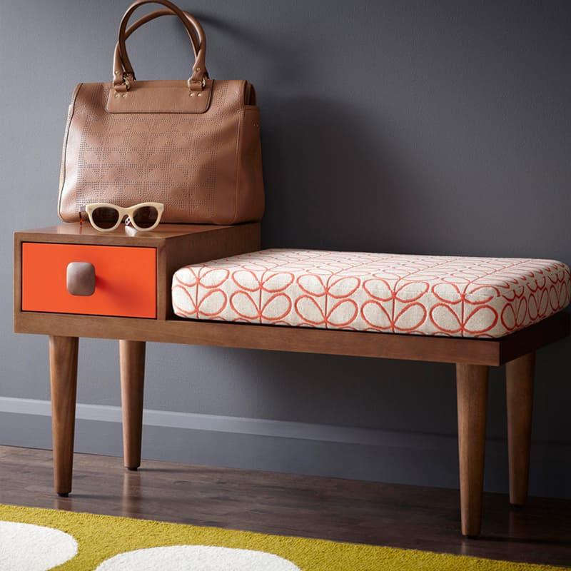 una panca al posto delle sedie: dove utilizzarla