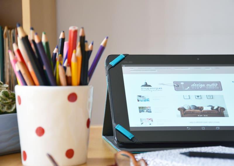 vita da blogger | home office in soggiorno