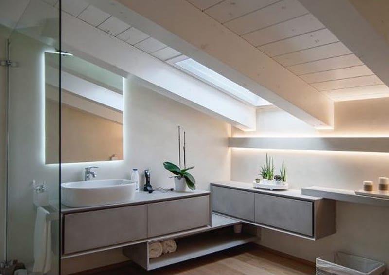 Illuminazione bagno con strisce led diffusa e scenografica design