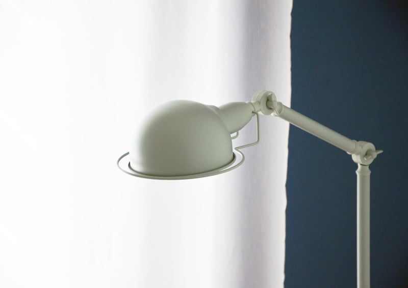 restyling camera da letto | dettaglio della lampada Jenkins di MADE.com