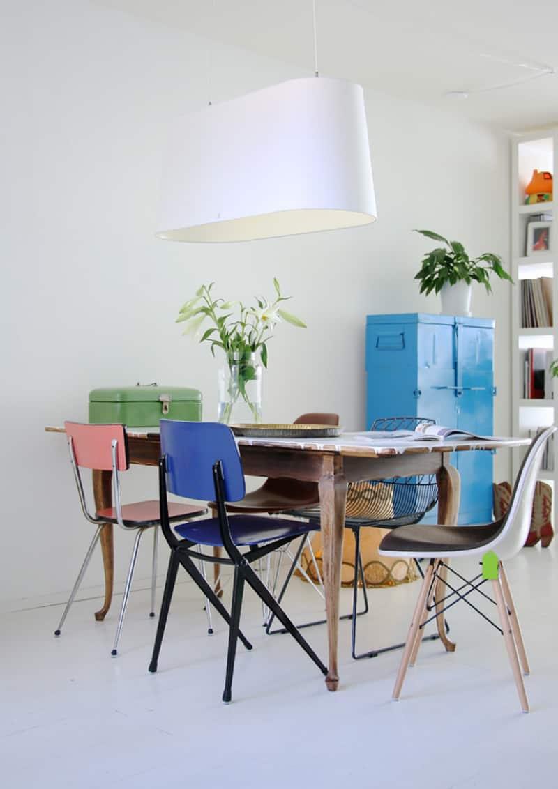 Tavolo Con Sedie Colorate.Sedie Diverse Intorno Al Tavolo Il Bello Del Mix Match Design