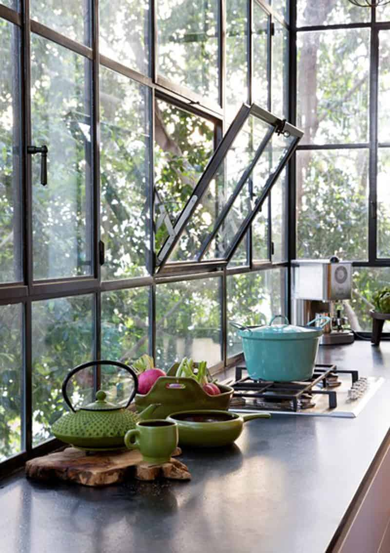Cucina sotto finestra come sfruttare al meglio lo spazio - Panca sotto finestra ...