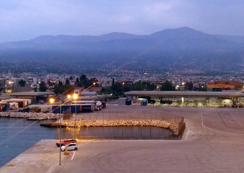 piccola guida di Elafonisos, perla della Laconia | il porto di Patrasso all'alba