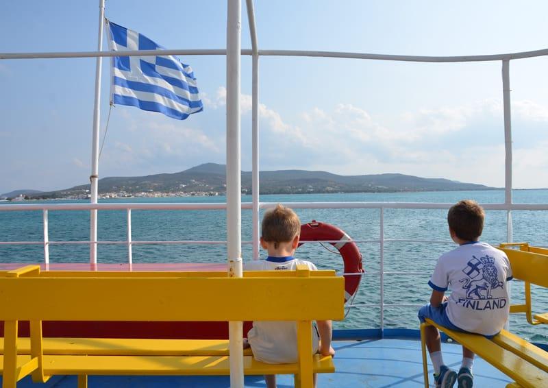 piccola guida di Elafonisos, perla della Laconia | il viaggio in traghetto da Pounta a Elafonisos