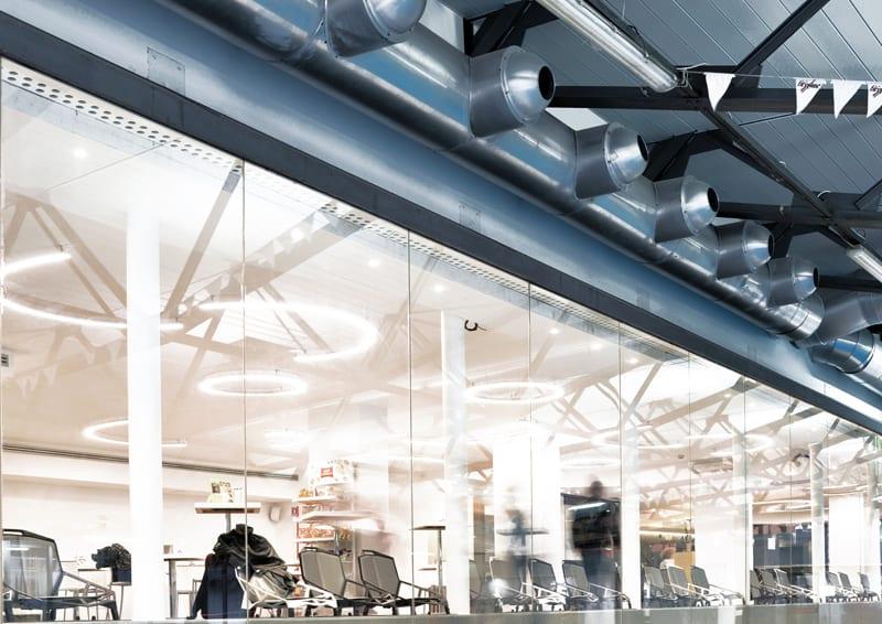 illuminare spazi pubblici: funzionalità, tecnologia, scenografia