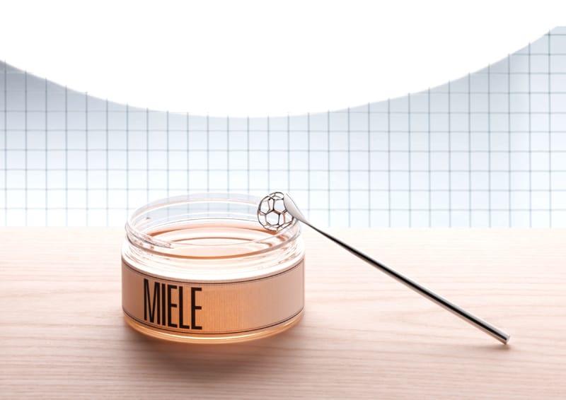 design italiano | Miriam Mirri|Acacia Honey dipper