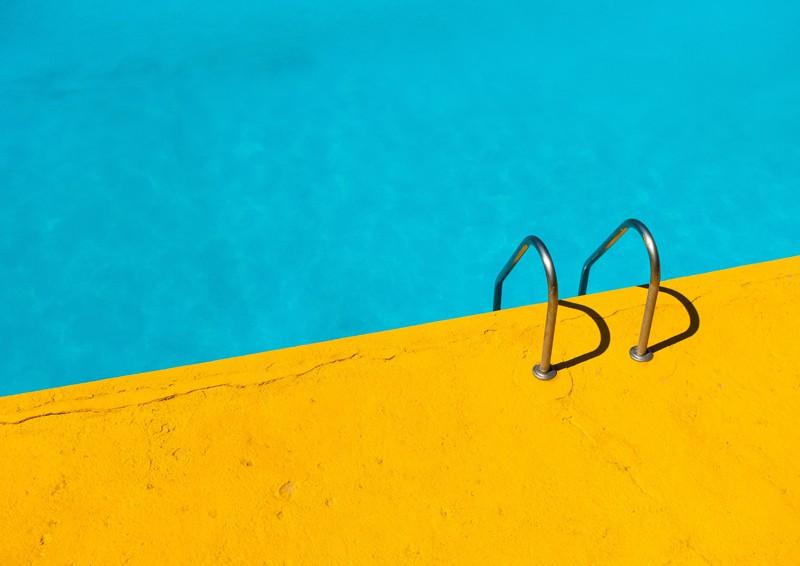 piscine con skimmer o a sfioro: quale scegliere?