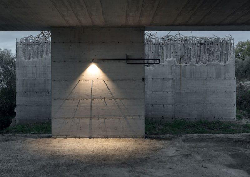 Emanuel Gargano, Vira: la luce oltre le convenzioni